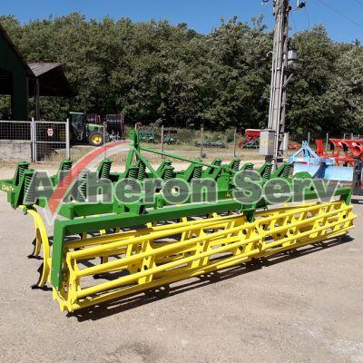 Cultivator greu de camp John Deere 4 m - second hand