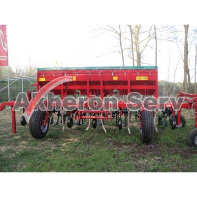 Cultivator/prășitoare cu fertilizare